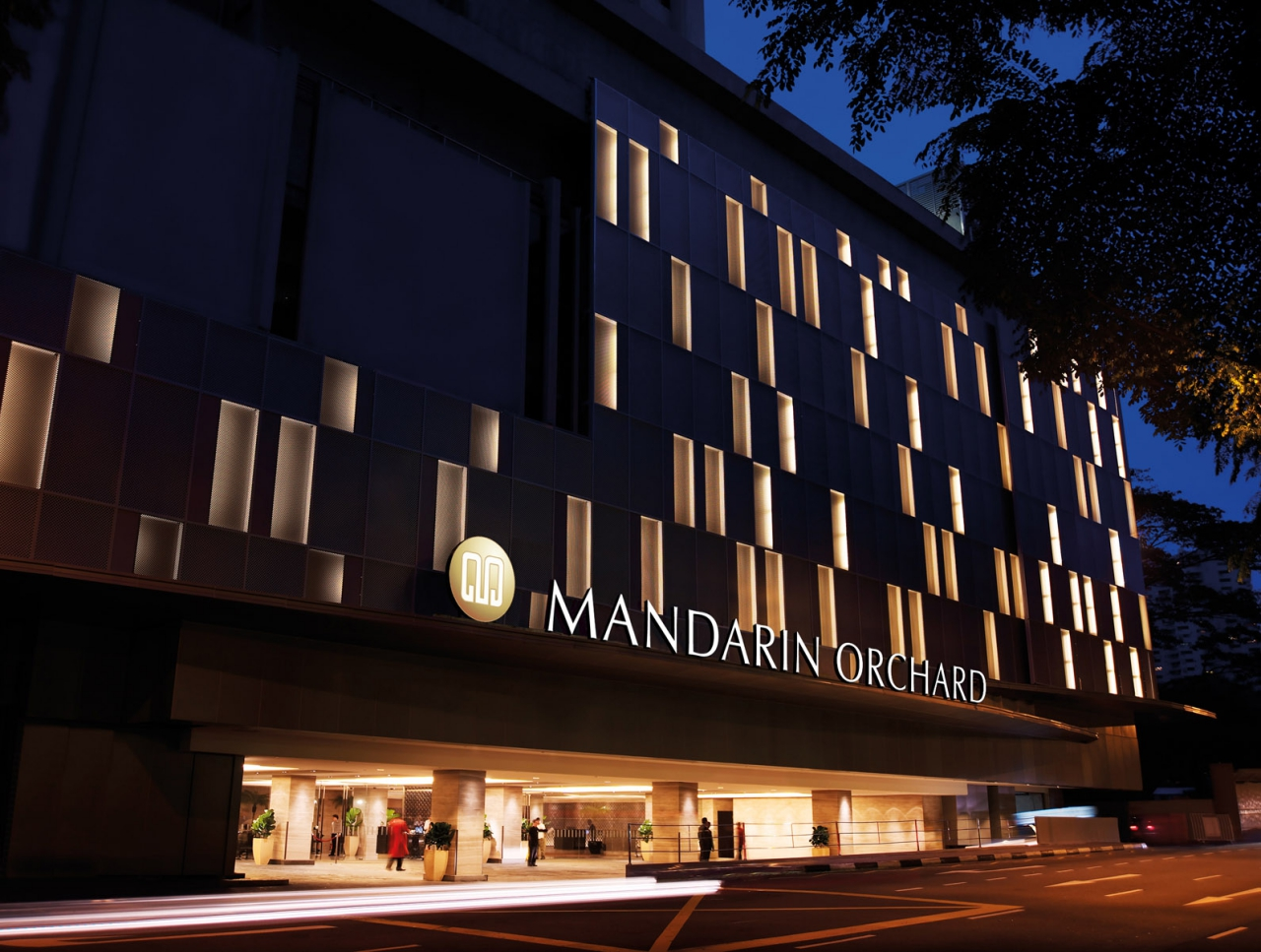 Mandarin-Orchard-Singapore-Night-Facade_01